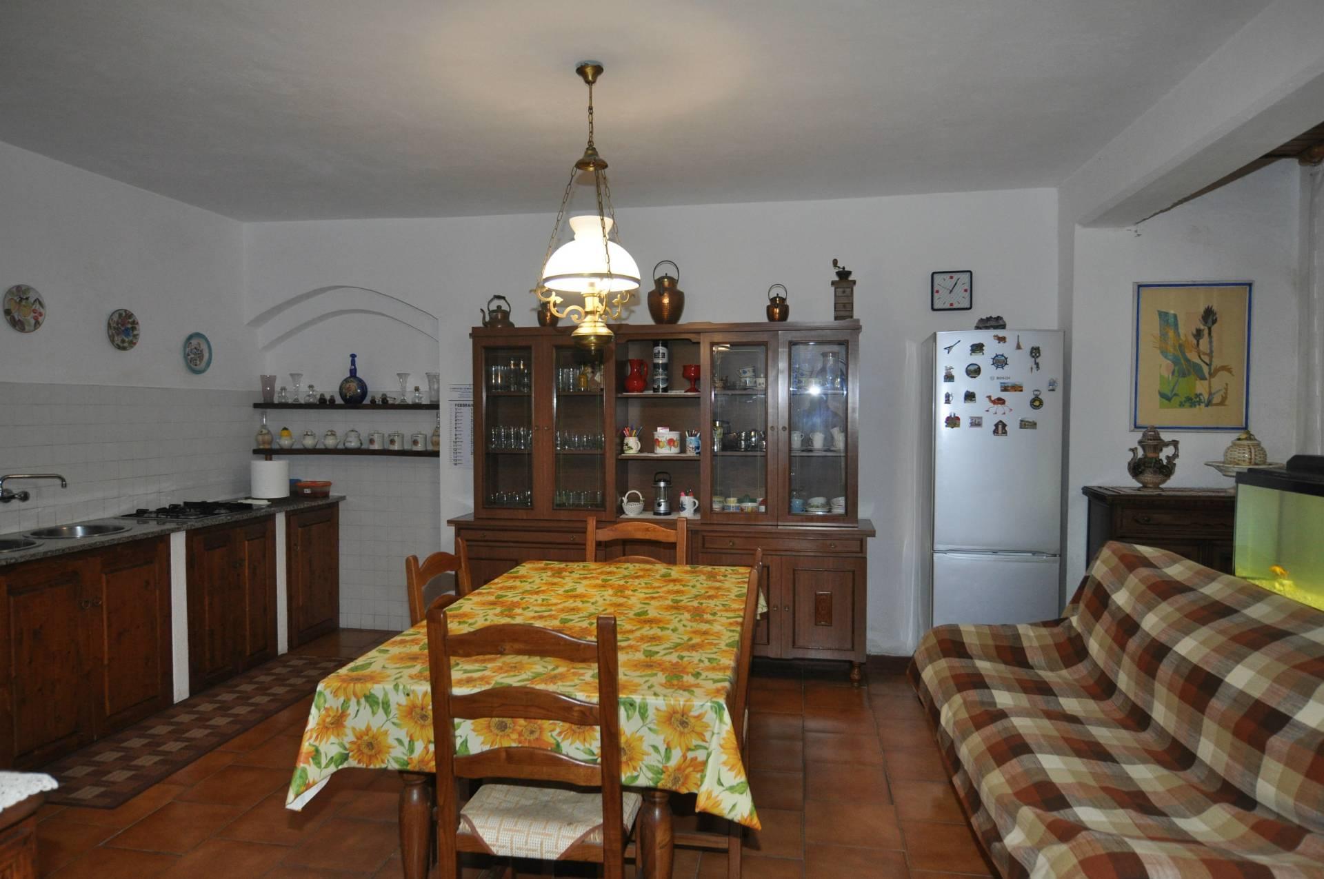 Soluzione Indipendente in vendita a Casale Marittimo, 8 locali, prezzo € 290.000 | CambioCasa.it