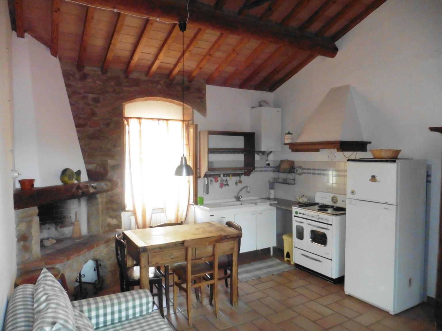 Appartamento in affitto a Cecina, 2 locali, prezzo € 480 | CambioCasa.it