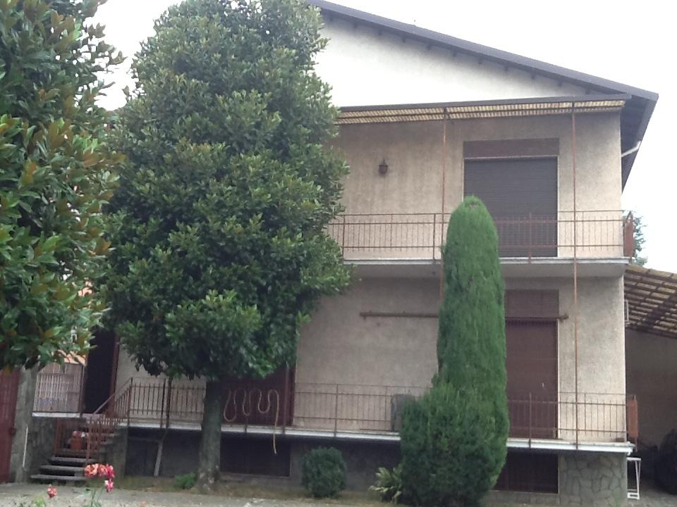 Soluzione Indipendente in vendita a Legnano, 6 locali, prezzo € 600.000 | Cambio Casa.it