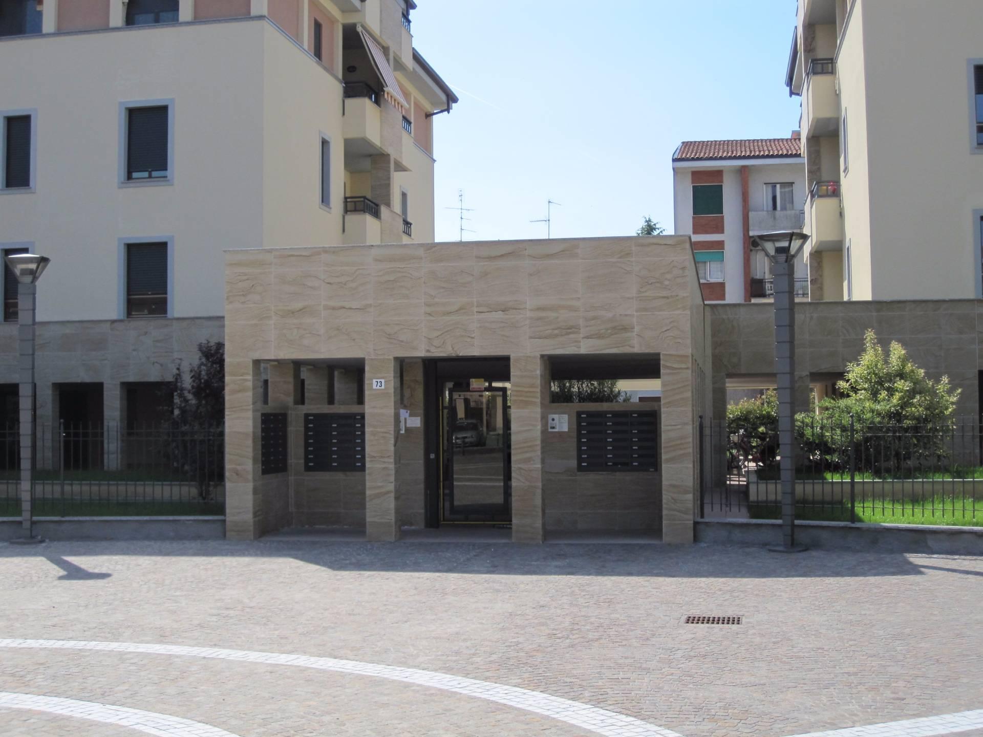 appartamento con terrazzo a Legnano - Cambiocasa.it