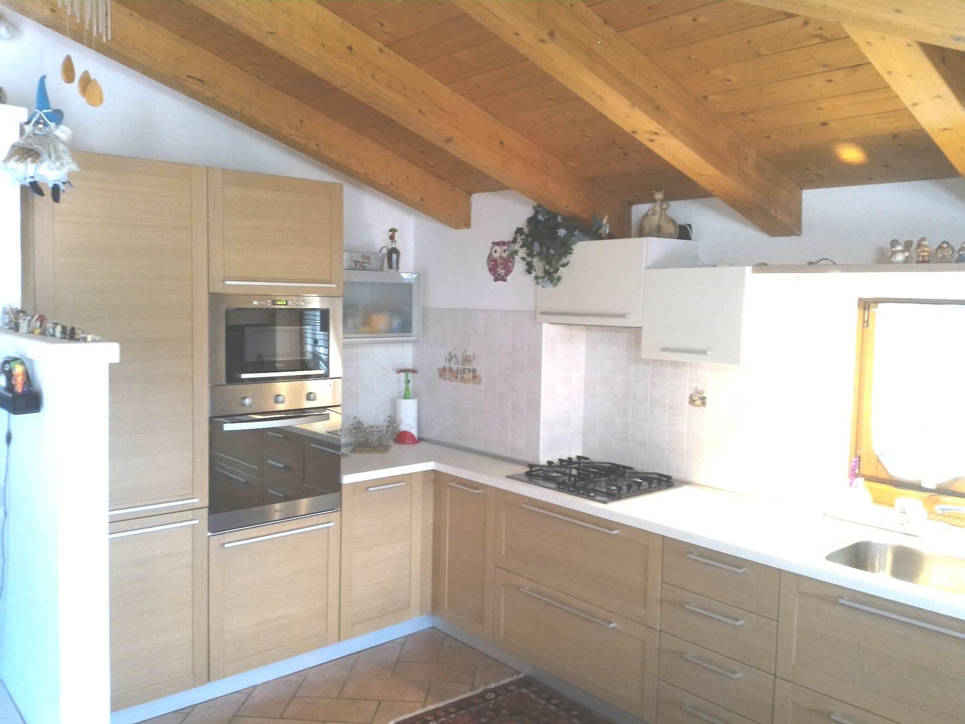 Appartamento in vendita a Dro, 4 locali, prezzo € 258.000 | Cambio Casa.it