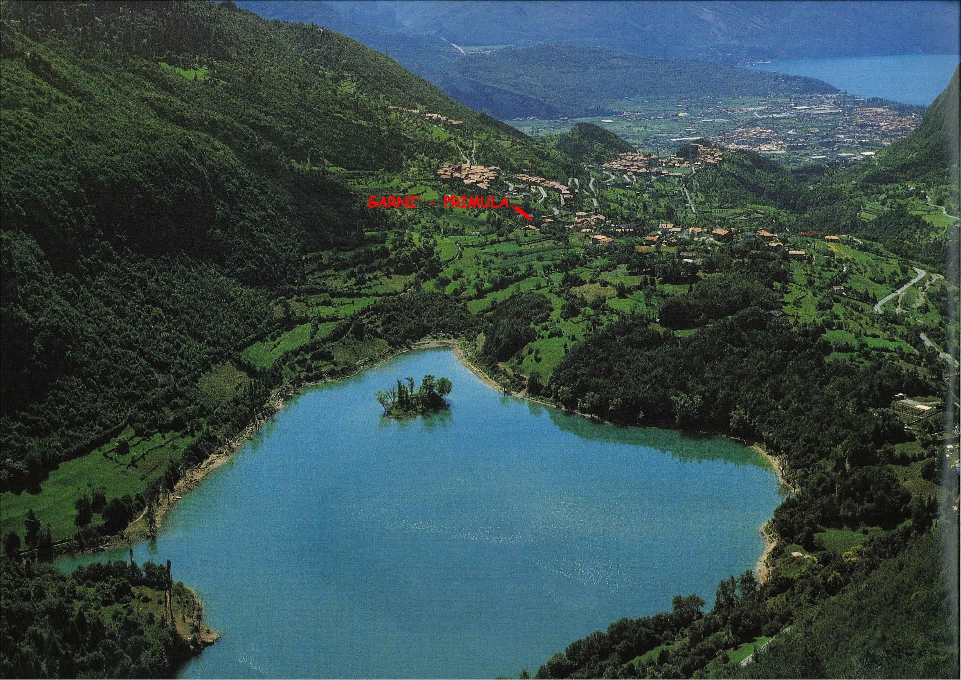 Villa in vendita a Tenno, 8 locali, zona Località: VilledelMonte(LagodiTenno, Trattative riservate | Cambio Casa.it