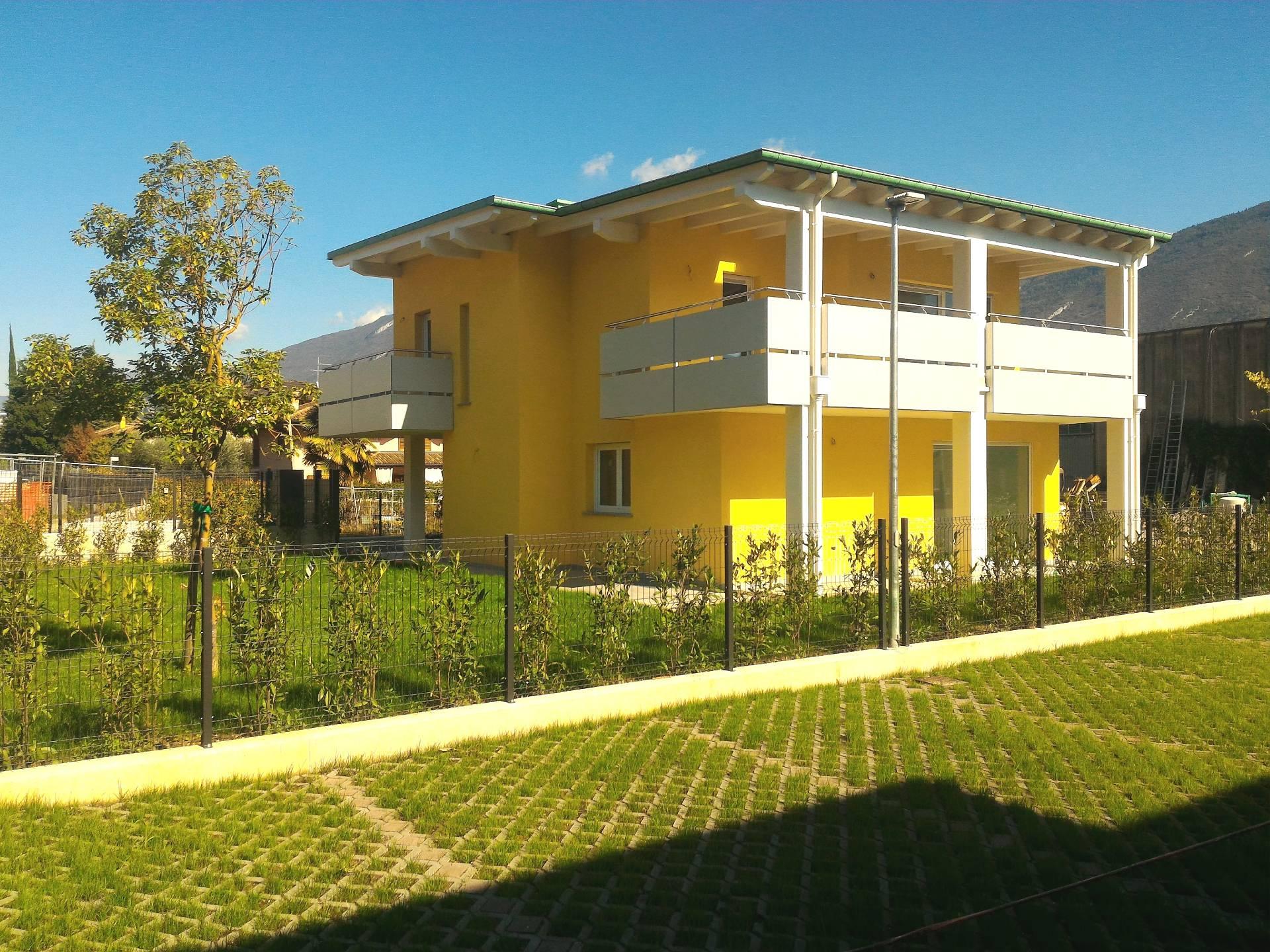 Villa in vendita a Riva del Garda, 4 locali, prezzo € 700.000 | Cambio Casa.it