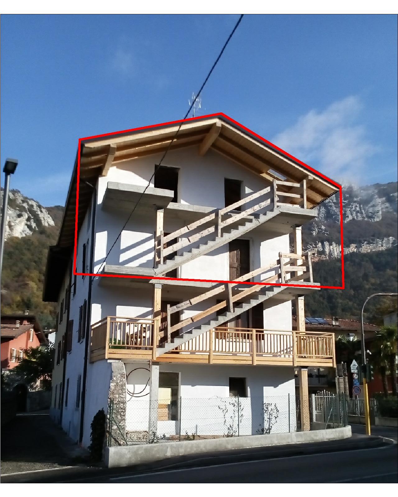 Appartamento in vendita a Nago-Torbole, 6 locali, zona Zona: Nago, prezzo € 99.000 | CambioCasa.it