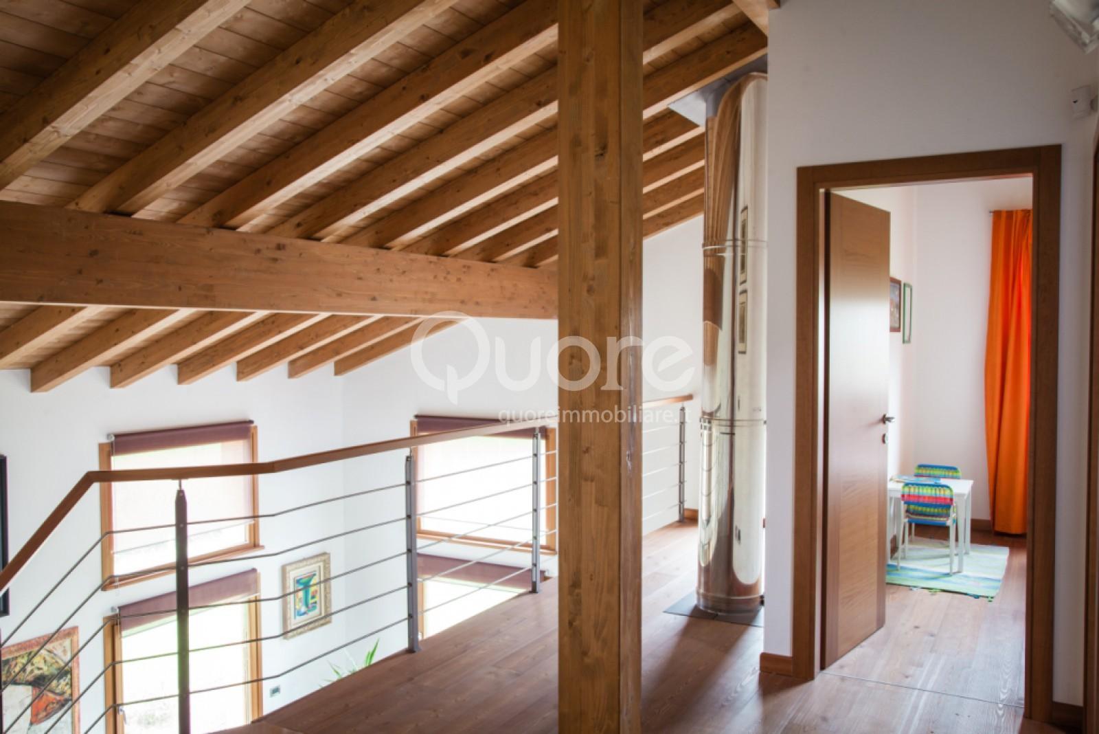 Villa in vendita a Udine, 6 locali, zona Zona: Beivars, prezzo € 400.000   CambioCasa.it