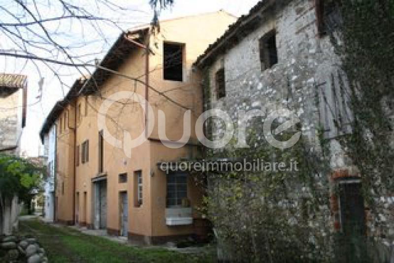 Rustico / Casale in vendita a Udine, 4 locali, zona Località: CormorBasso, Trattative riservate | CambioCasa.it