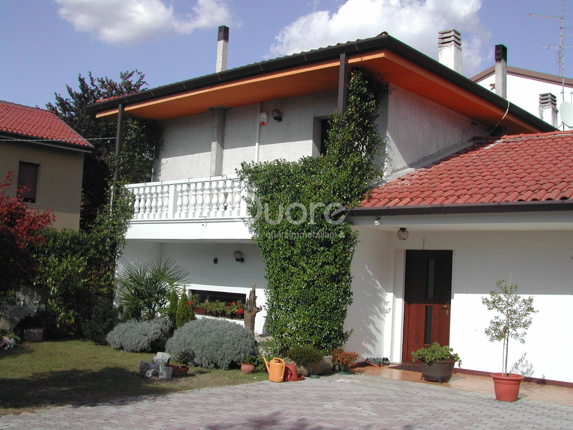 Soluzione Indipendente in vendita a Udine, 5 locali, prezzo € 235.000 | CambioCasa.it