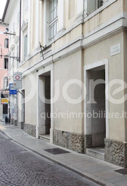 Negozio / Locale in affitto a Udine, 9999 locali, prezzo € 1.200 | CambioCasa.it