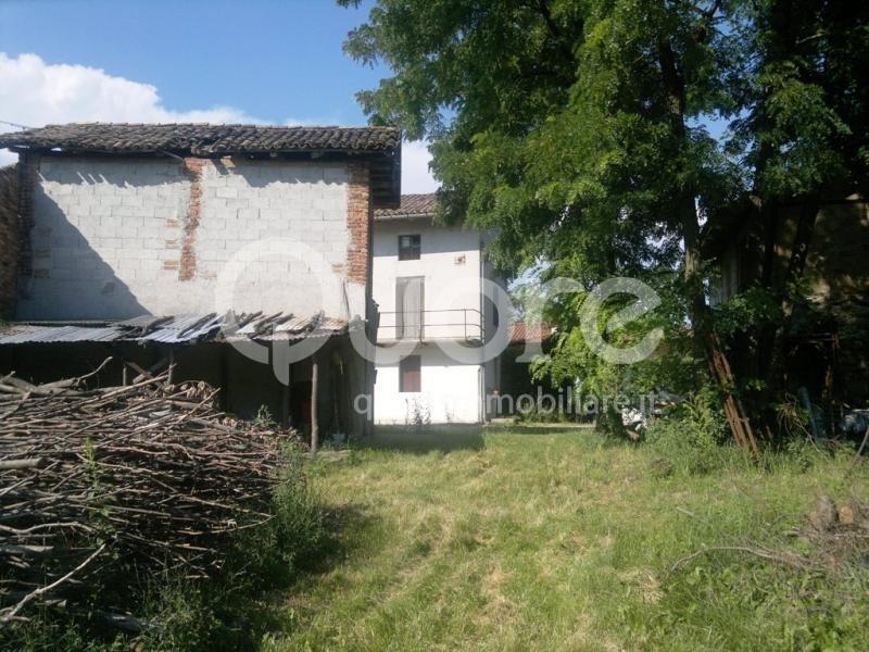 Rustico / Casale in vendita a Pagnacco, 10 locali, prezzo € 125.000 | CambioCasa.it