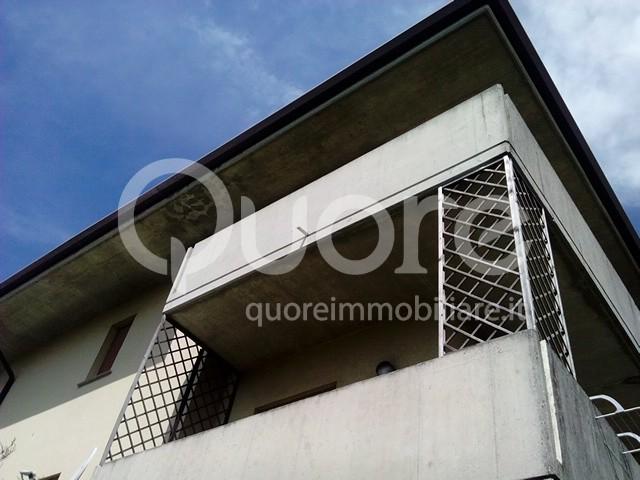 Appartamento in vendita a Tavagnacco, 5 locali, prezzo € 105.000 | CambioCasa.it