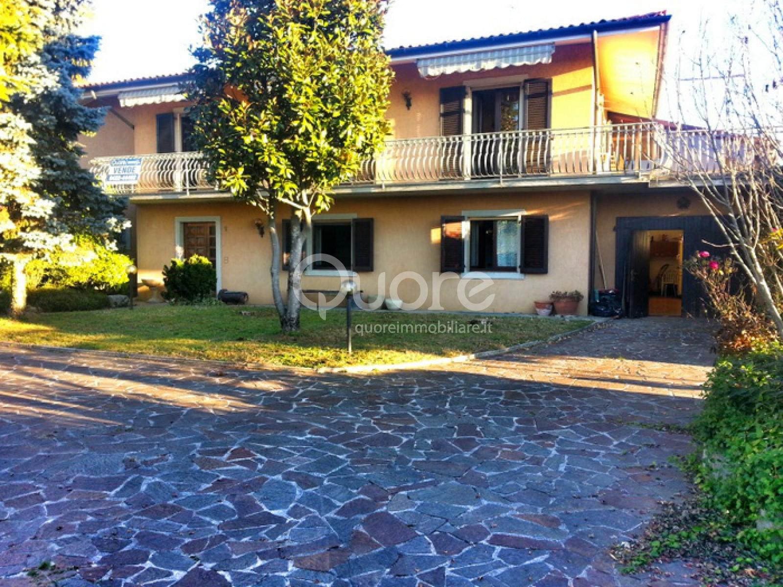 Villa in vendita a Colloredo di Monte Albano, 8 locali, prezzo € 250.000 | CambioCasa.it