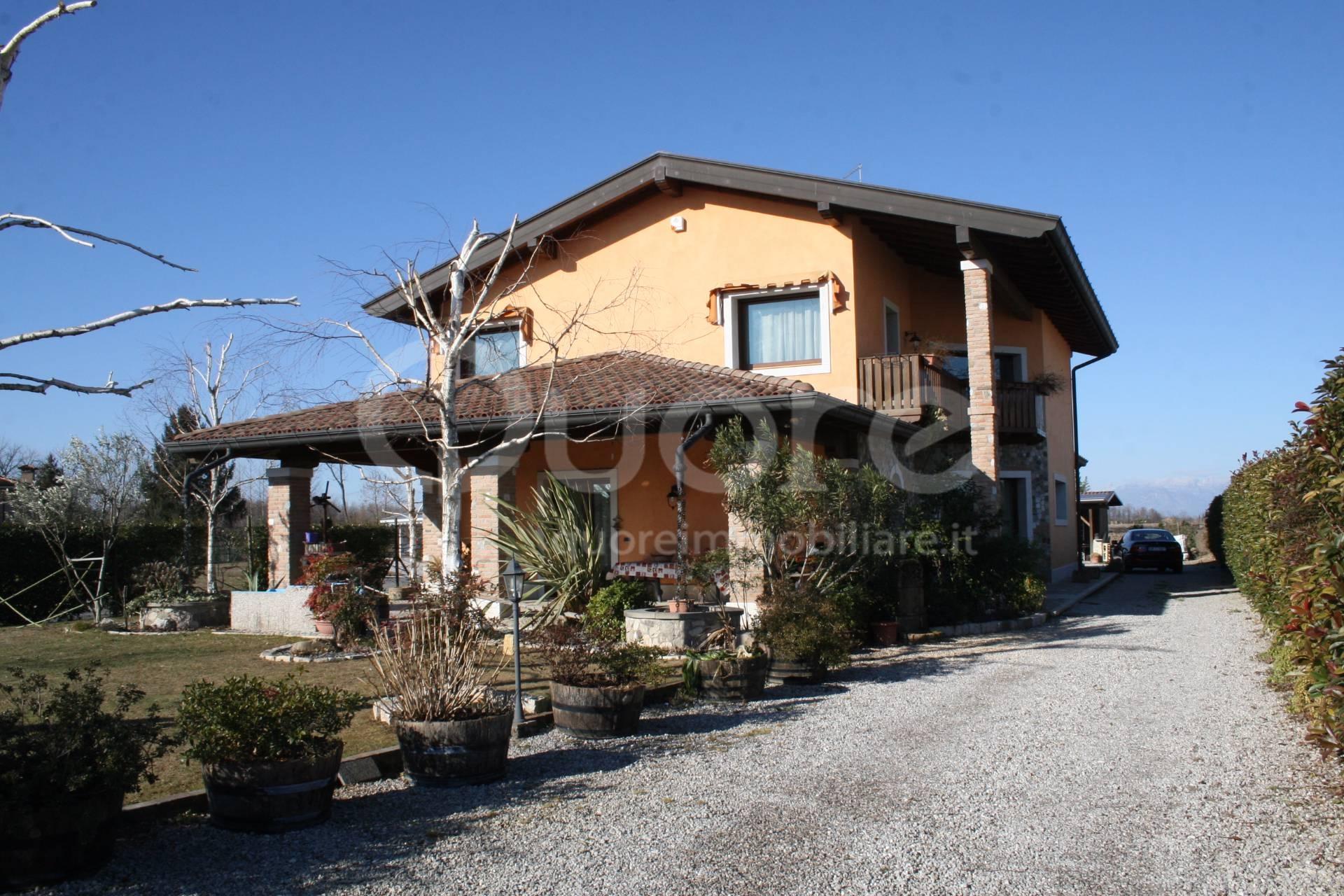 Soluzione Indipendente in vendita a Camino al Tagliamento, 6 locali, prezzo € 340.000 | CambioCasa.it