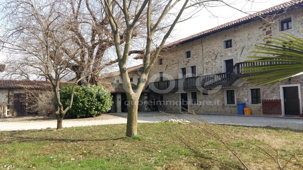 Rustico / Casale in vendita a Povoletto, 5 locali, zona Località: MarsurediSotto-nuova, prezzo € 140.000 | CambioCasa.it