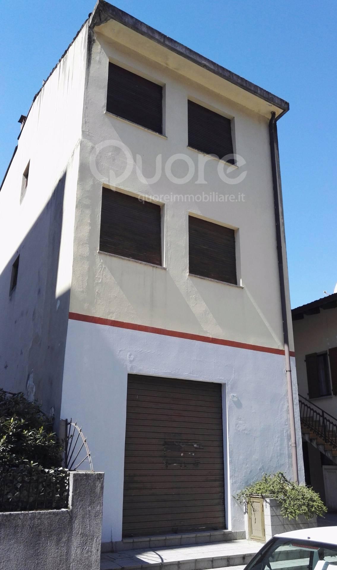 Negozio / Locale in vendita a Udine, 9999 locali, zona Zona: Semicentro, prezzo € 65.000 | CambioCasa.it