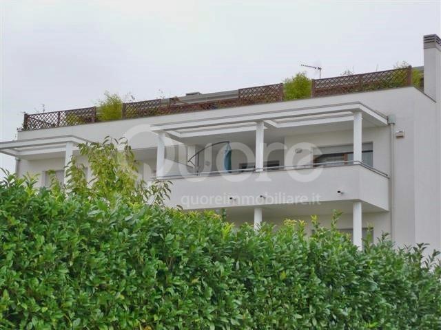 Attico / Mansarda in affitto a Udine, 8 locali, Trattative riservate | CambioCasa.it