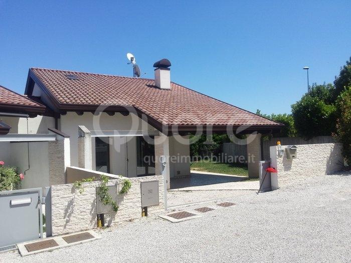 Soluzione Semindipendente in affitto a Moruzzo, 5 locali, prezzo € 750   CambioCasa.it
