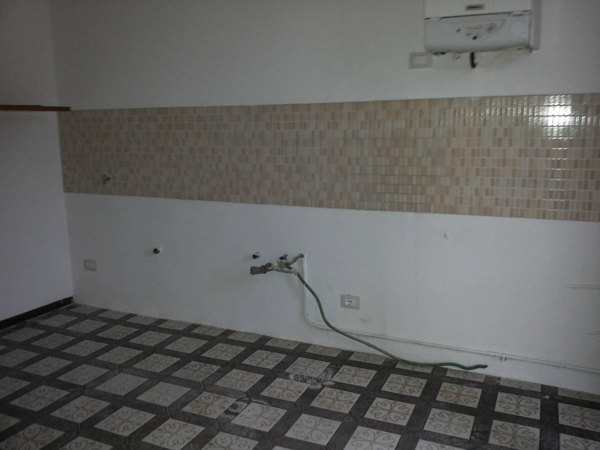 Appartamento in vendita a Ponsacco, 5 locali, zona Località: Ponsacco, prezzo € 160.000 | Cambio Casa.it