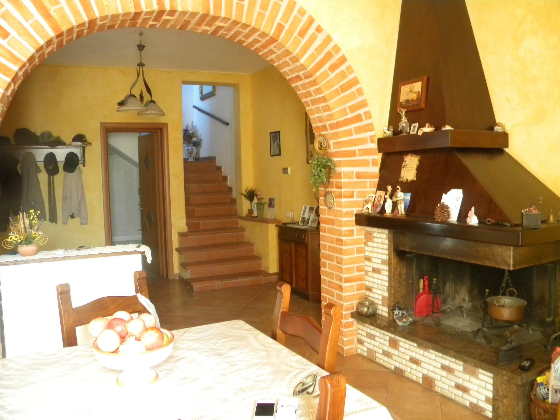 Soluzione Indipendente in vendita a Capannoli, 8 locali, prezzo € 190.000 | Cambio Casa.it