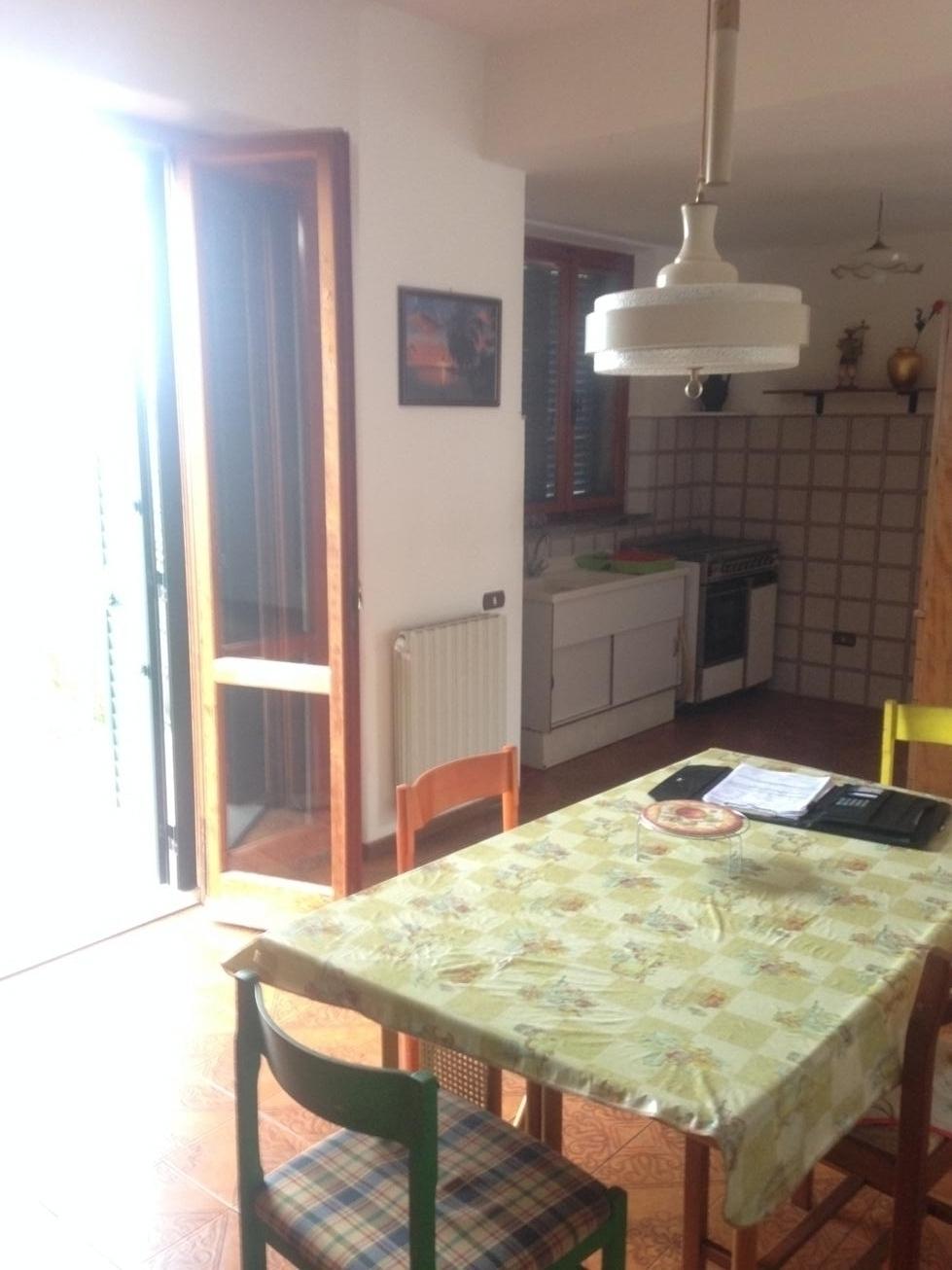 Villa in vendita a Montopoli in Val d'Arno, 6 locali, zona Zona: Marti, prezzo € 380.000 | CambioCasa.it