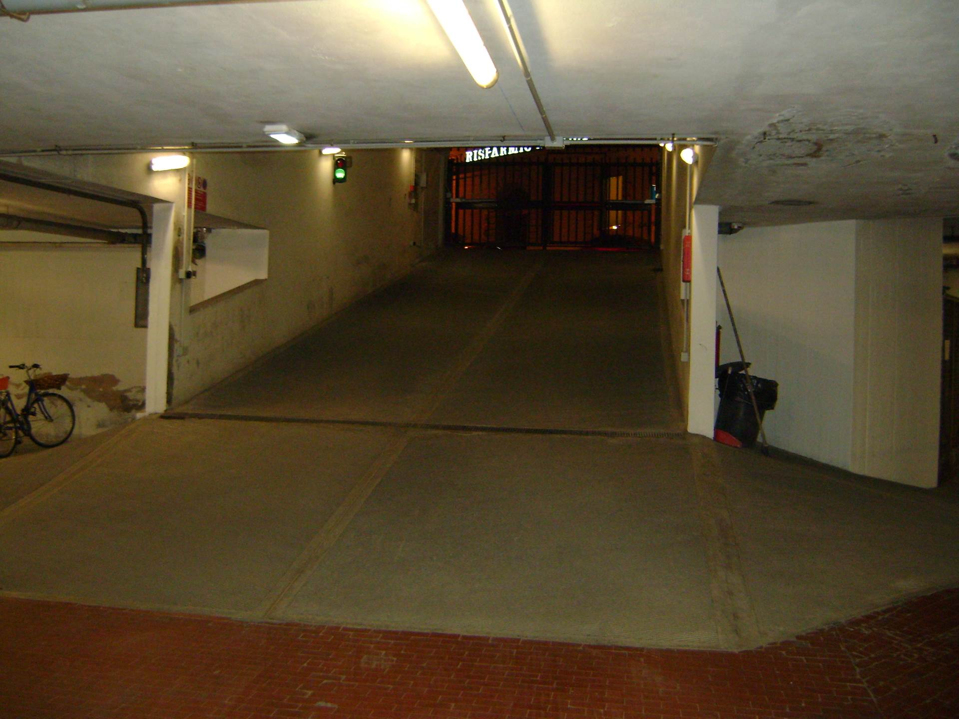 Box / Garage in vendita a Livorno, 1 locali, zona Località: Centrostorico, prezzo € 25.000 | CambioCasa.it
