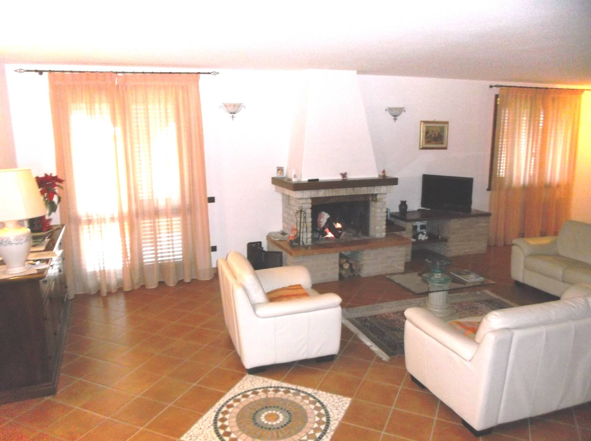 Soluzione Indipendente in vendita a Orciano Pisano, 7 locali, prezzo € 290.000 | CambioCasa.it