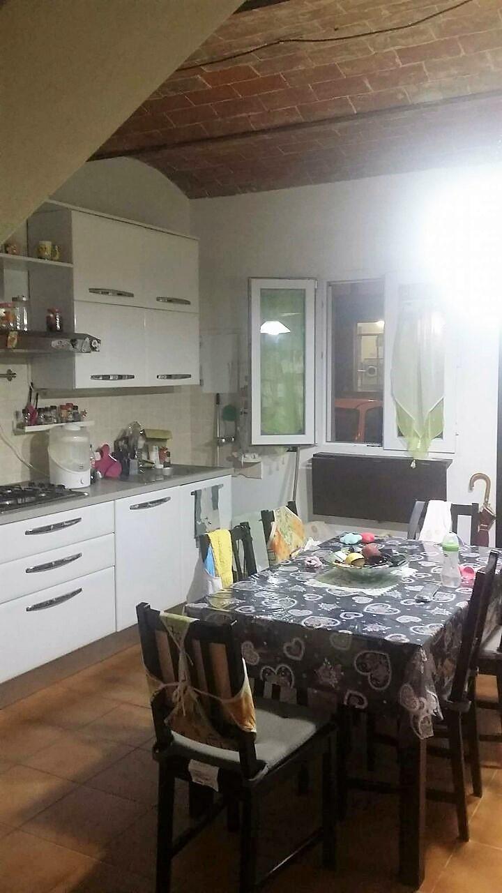 Appartamento in vendita a Crespina Lorenzana, 5 locali, zona Località: Cenaia, prezzo € 175.000 | CambioCasa.it