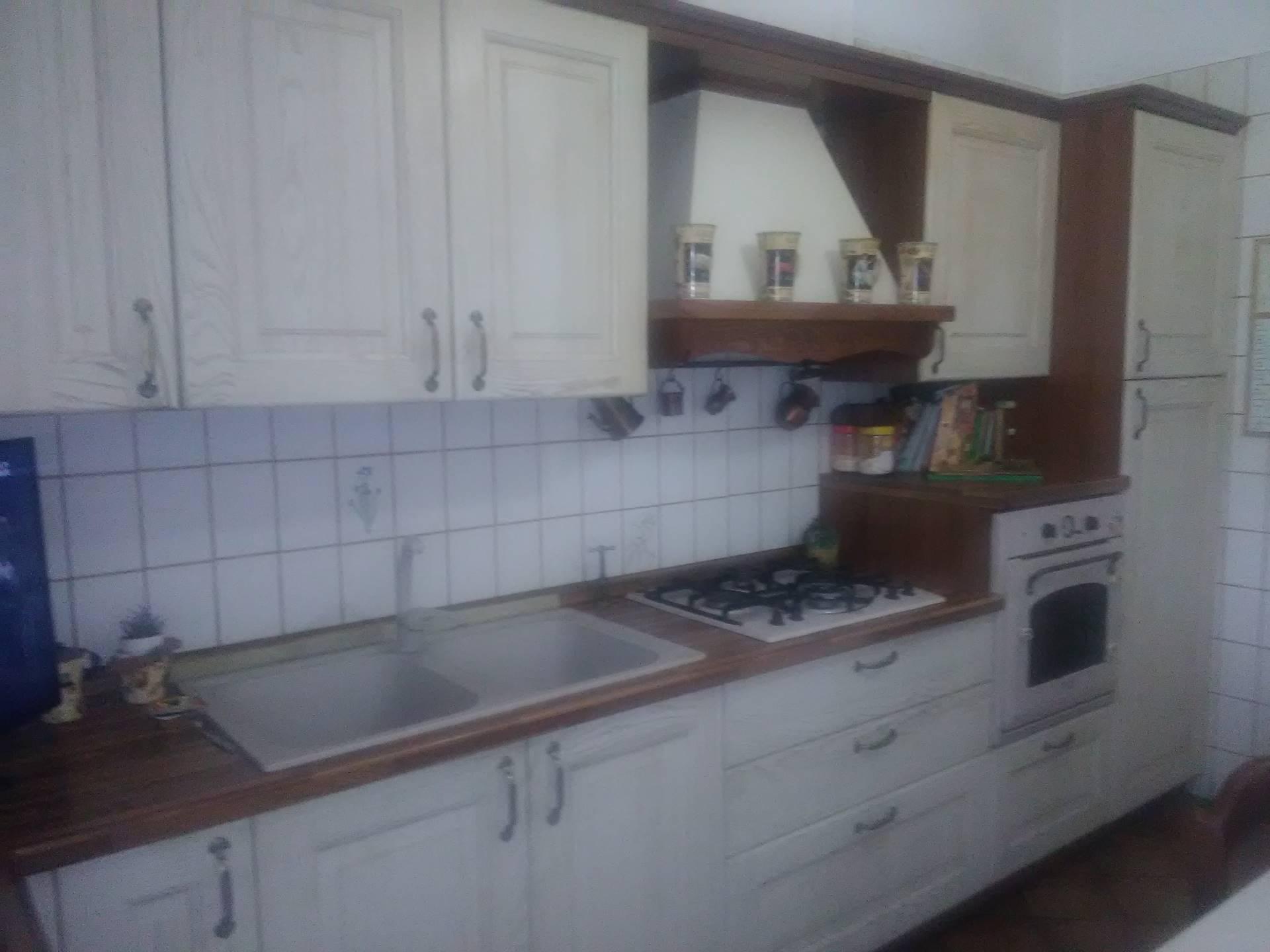 Villa in vendita a Collesalvetti, 4 locali, zona Località: Collesalvetti, prezzo € 250.000 | CambioCasa.it