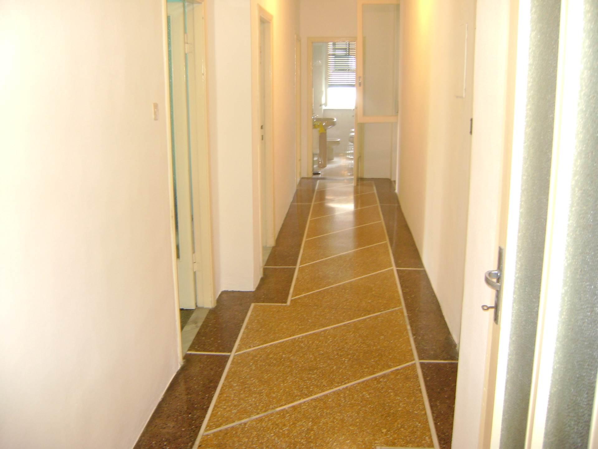 Appartamento in vendita a Livorno, 4 locali, zona Località: Centroresidenziale, prezzo € 210.000 | CambioCasa.it