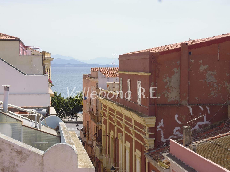 Appartamento in affitto a Carloforte, 6 locali, zona Località: CarlofortePaese/Citycentre, Trattative riservate | CambioCasa.it