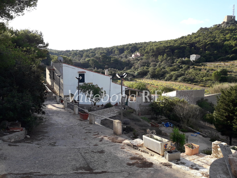 Villa in vendita a Carloforte, 5 locali, zona Località: Carlofortefuoripaese/Outsidetown, prezzo € 233.000   CambioCasa.it