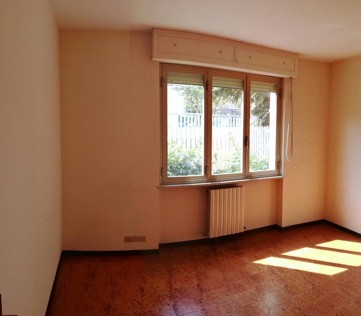 Appartamento in vendita a Macerata, 5 locali, zona Zona: Semicentrale, prezzo € 108.000 | CambioCasa.it