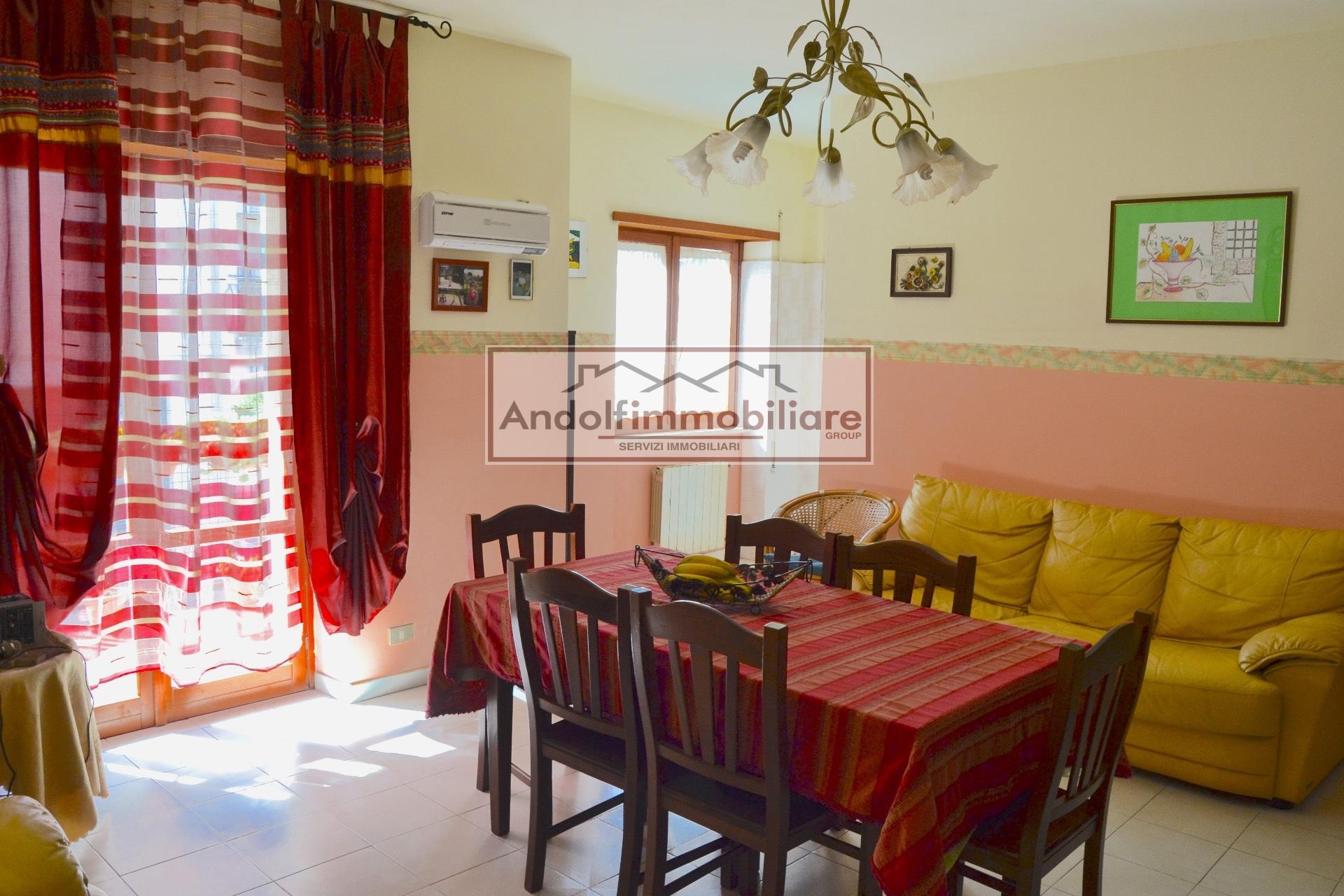 Appartamento in vendita a Itri, 4 locali, prezzo € 180.000 | CambioCasa.it