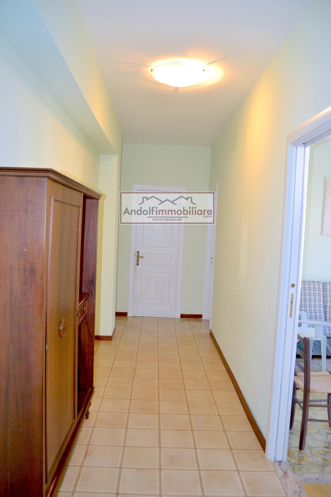 Appartamento in vendita a Minturno, 3 locali, zona Zona: Scauri, prezzo € 185.000 | CambioCasa.it