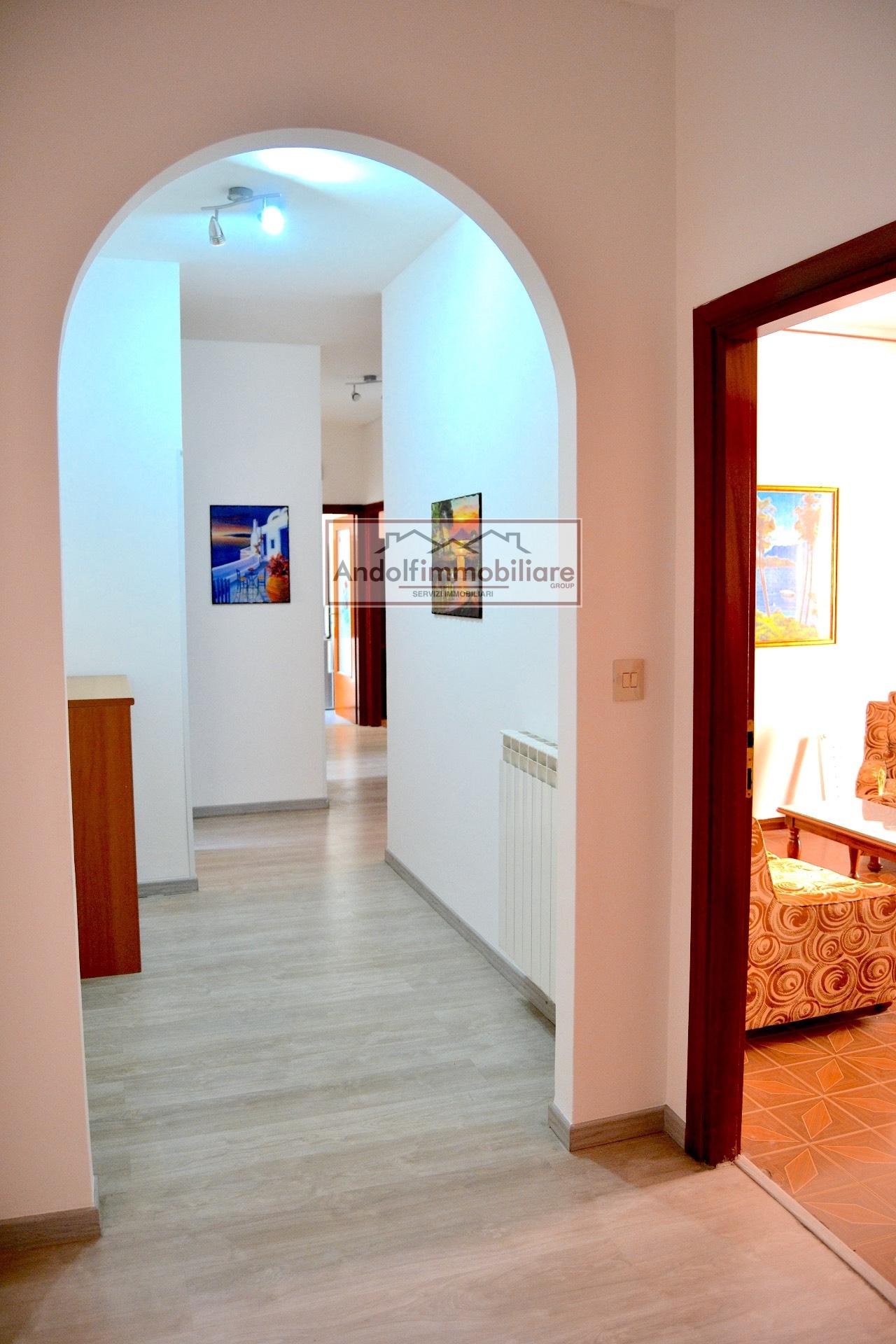 Appartamento in vendita a Itri, 4 locali, prezzo € 140.000 | CambioCasa.it