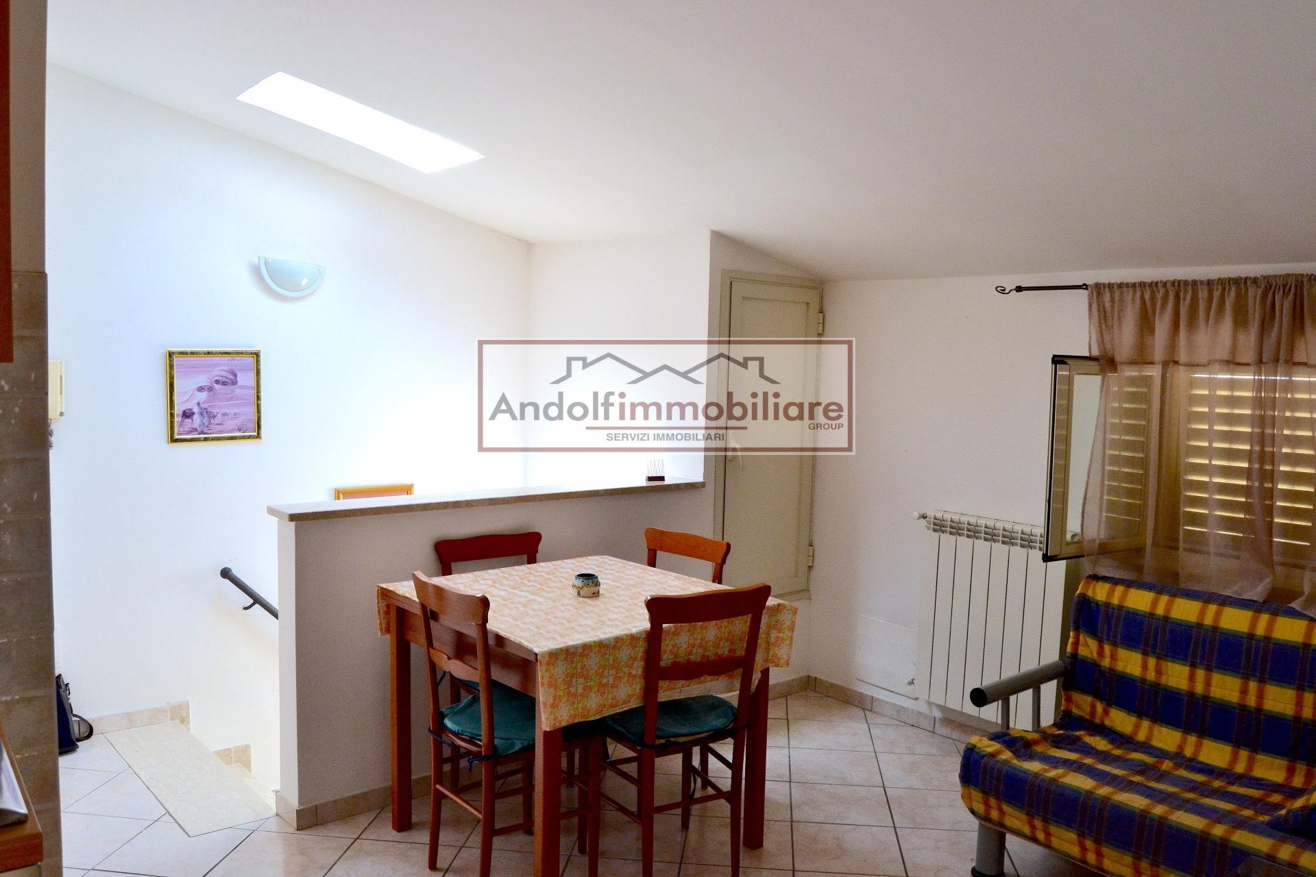 Attico / Mansarda in affitto a Itri, 3 locali, prezzo € 80.000 | CambioCasa.it