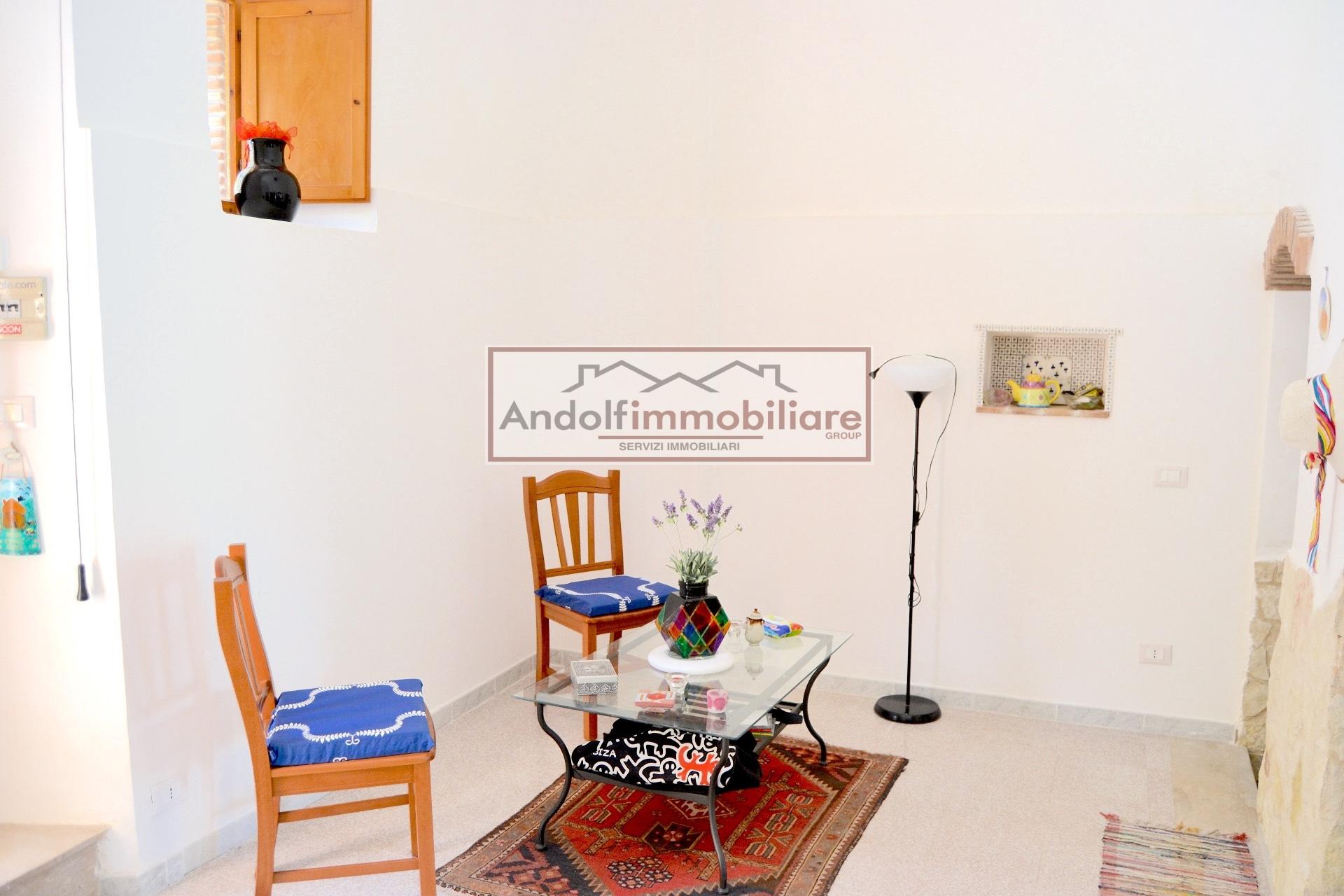 Appartamento in vendita a Itri, 4 locali, prezzo € 120.000 | CambioCasa.it