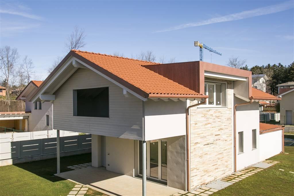 Villa in Vendita a Tradate: 4 locali, 264 mq