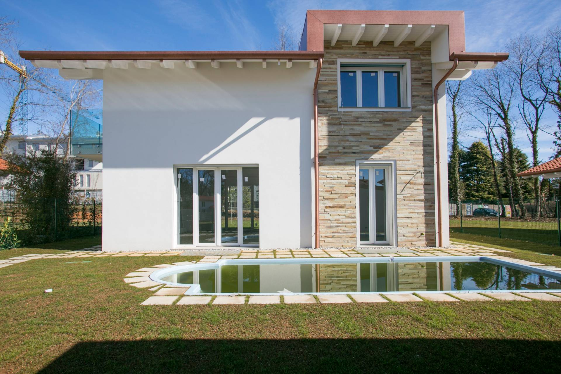 Villa in Vendita a Tradate: 4 locali, 300 mq