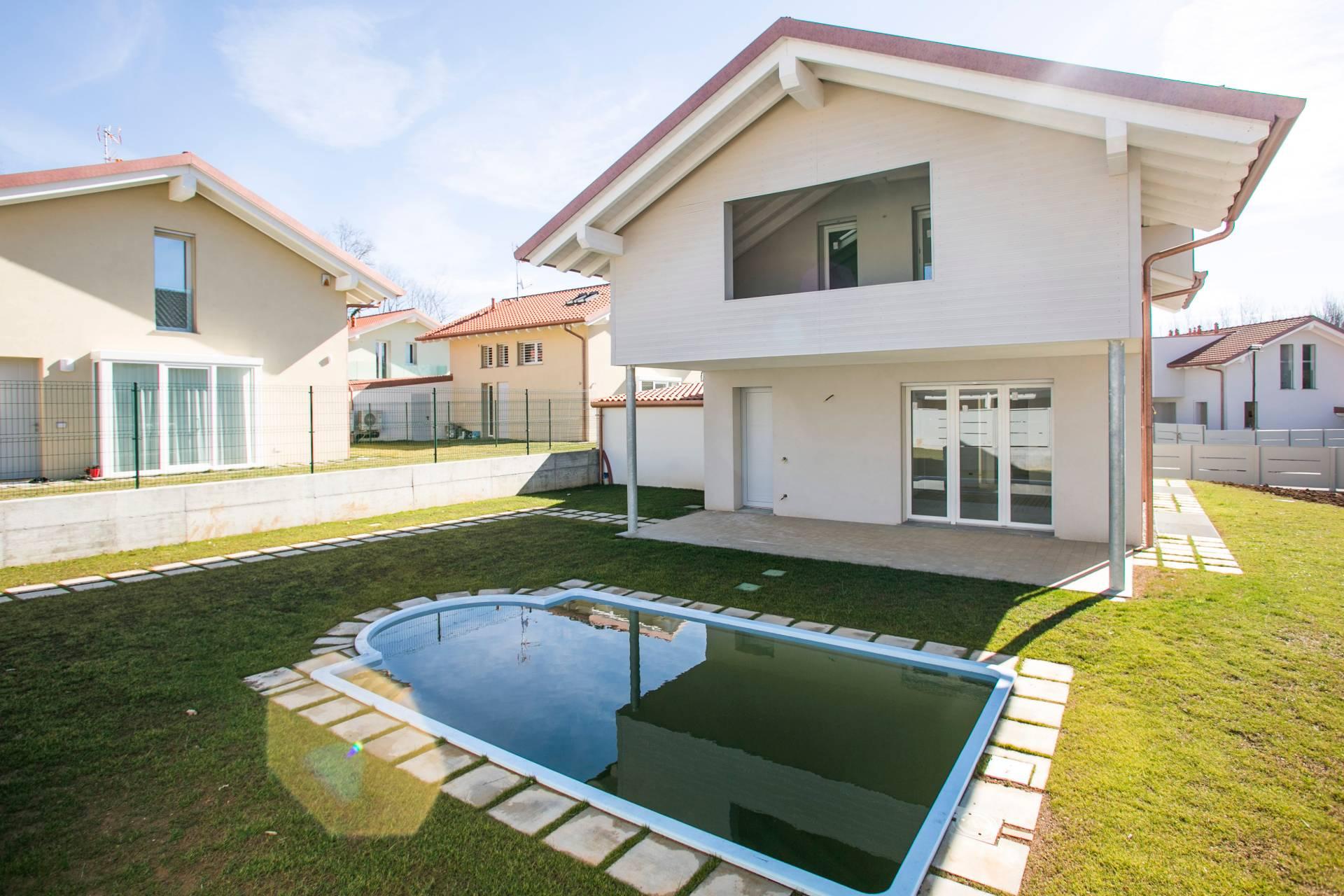 Villa in Vendita a Tradate:  4 locali, 266 mq  - Foto 1