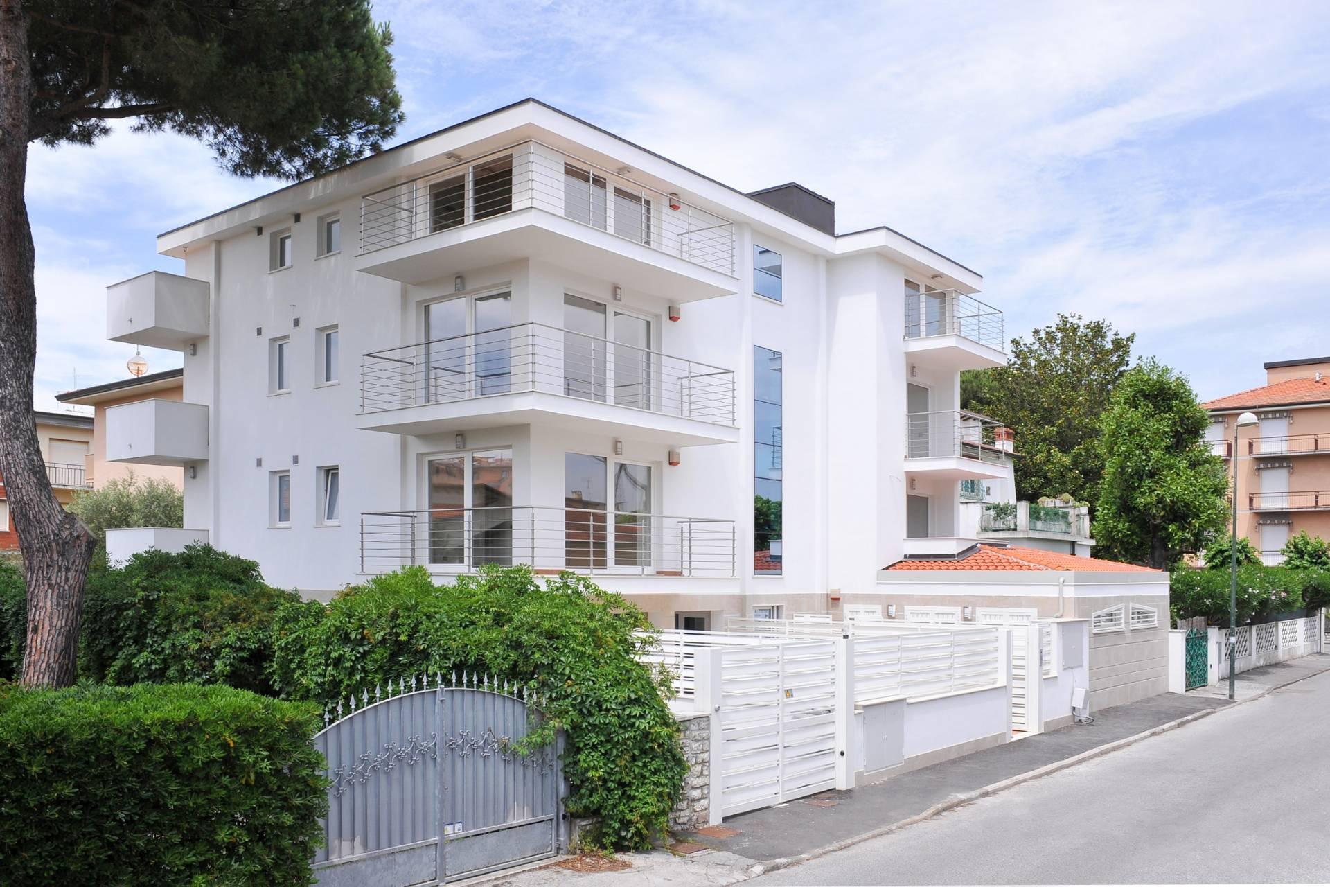 Casa indipendente in Vendita a Camaiore:  5 locali, 923 mq  - Foto 1