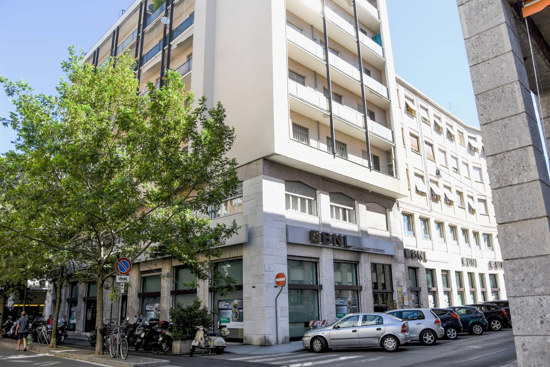 Ufficio-studio in Vendita a Vercelli Centro: 875 mq