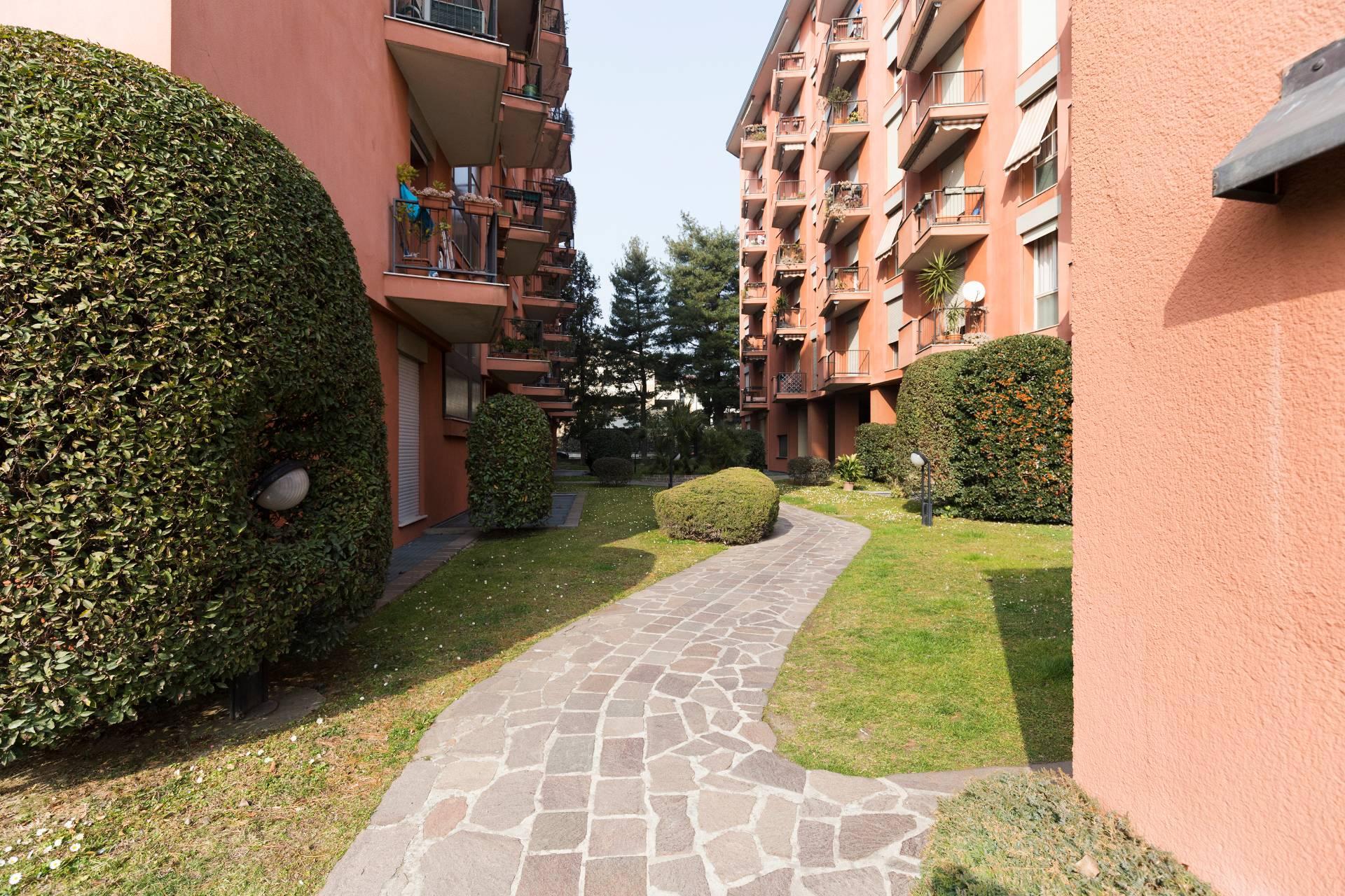 Appartamento in Vendita a Monza:  5 locali, 210 mq  - Foto 1