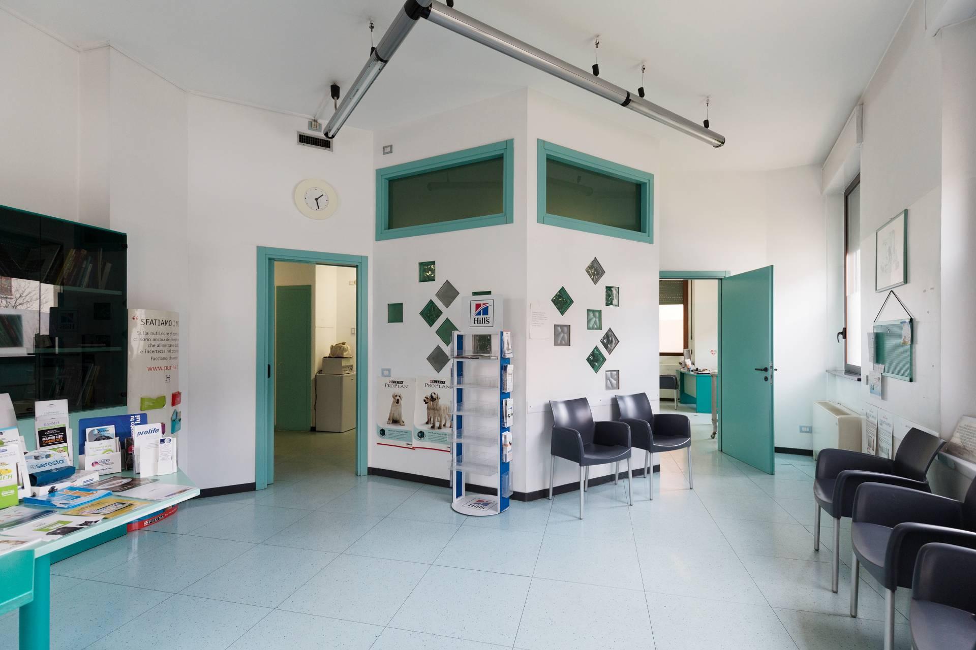 Ufficio-studio in Vendita a Desio: 222 mq
