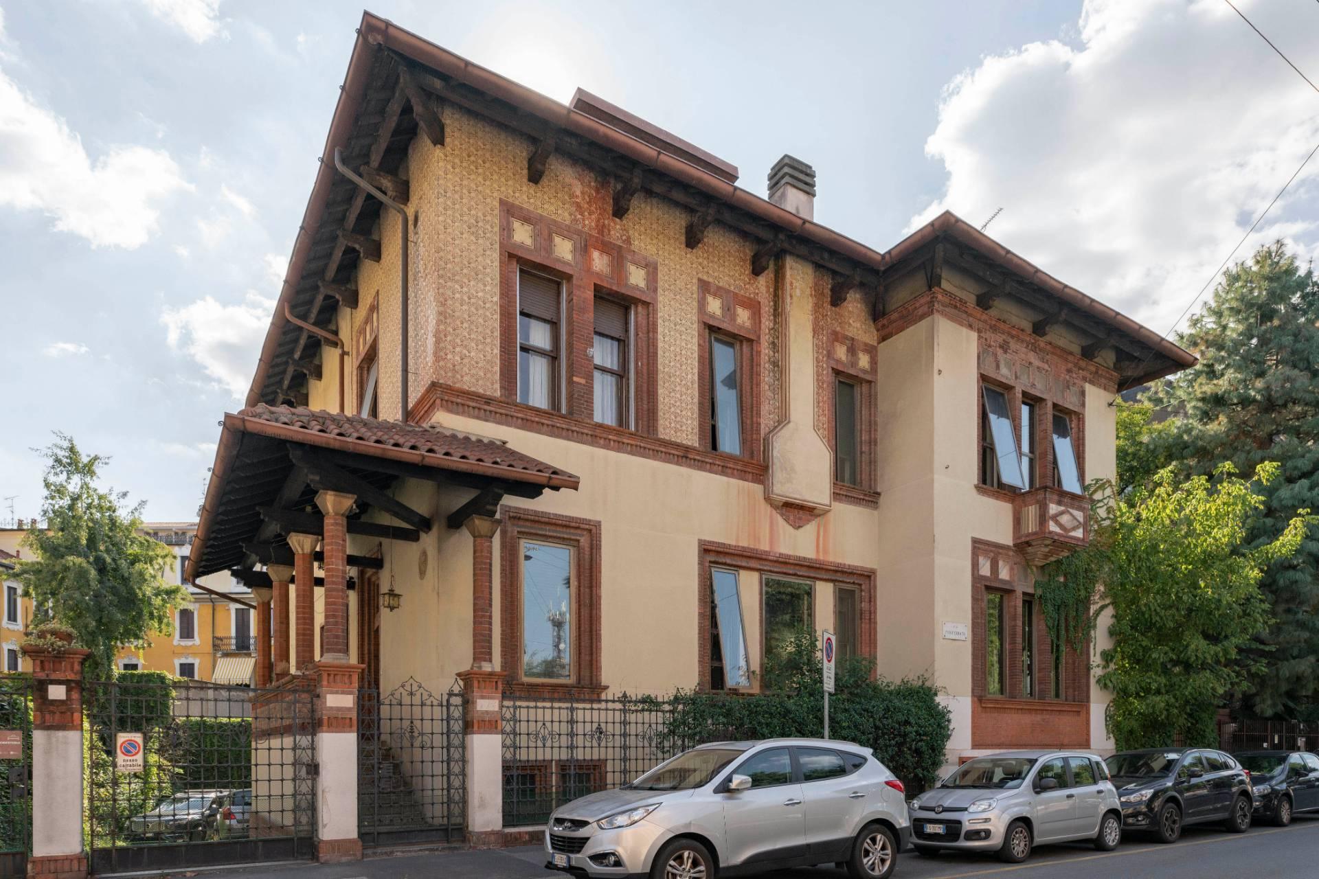 Villa in Vendita a Milano 08 Vercelli / Magenta / Cadorna / Washington: 5 locali, 820 mq