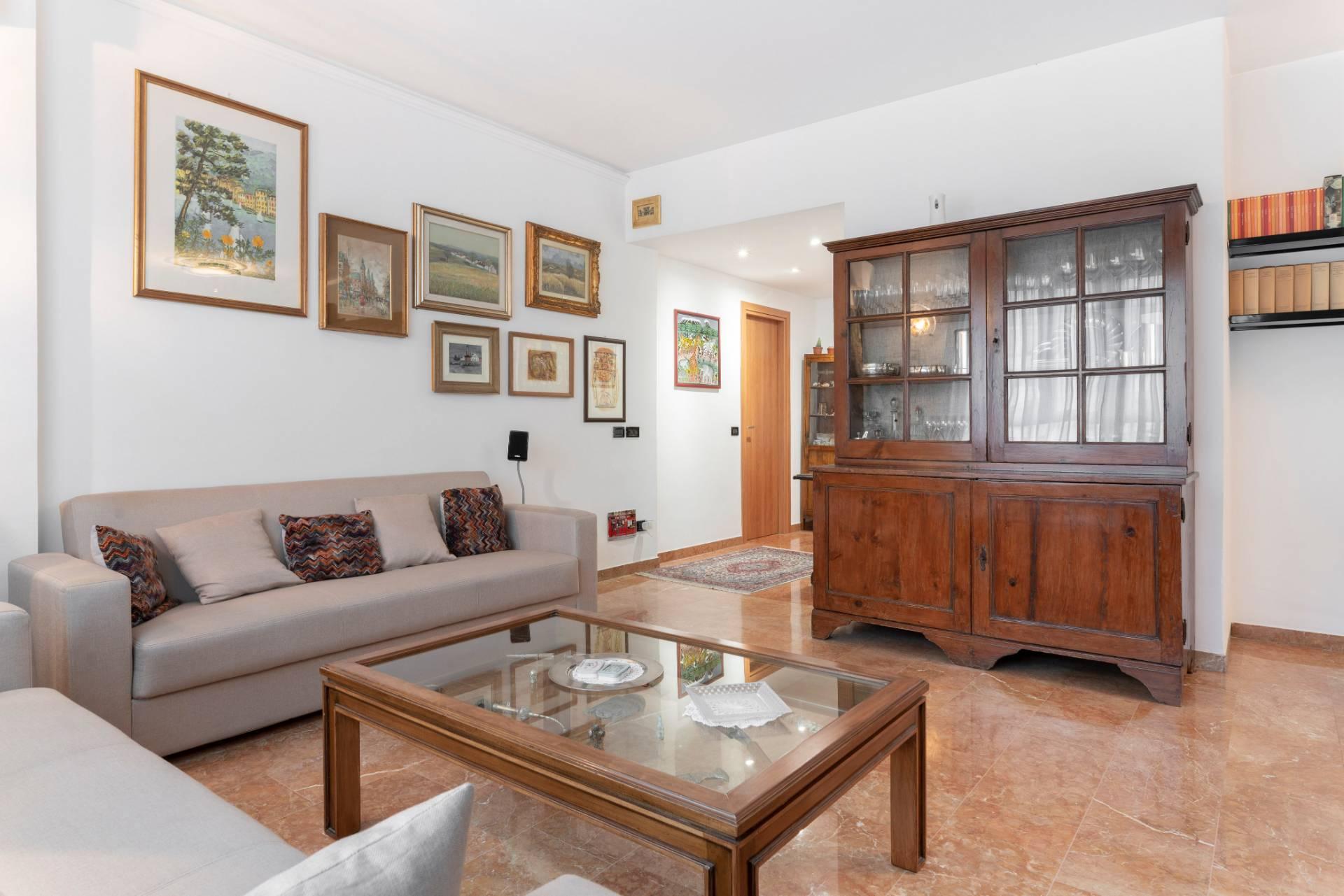 Appartamento in Vendita a Milano 18 Ippodromo / San Siro / Zavattari: 3 locali, 105 mq
