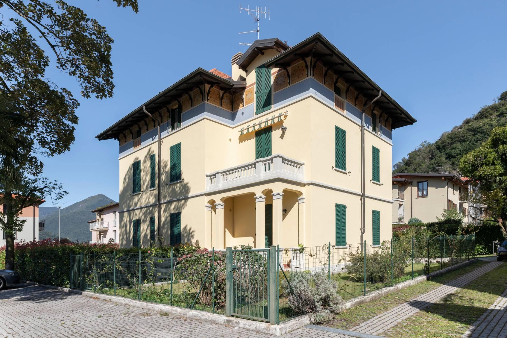 Appartamento in Vendita a Maccagno: 3 locali, 67 mq