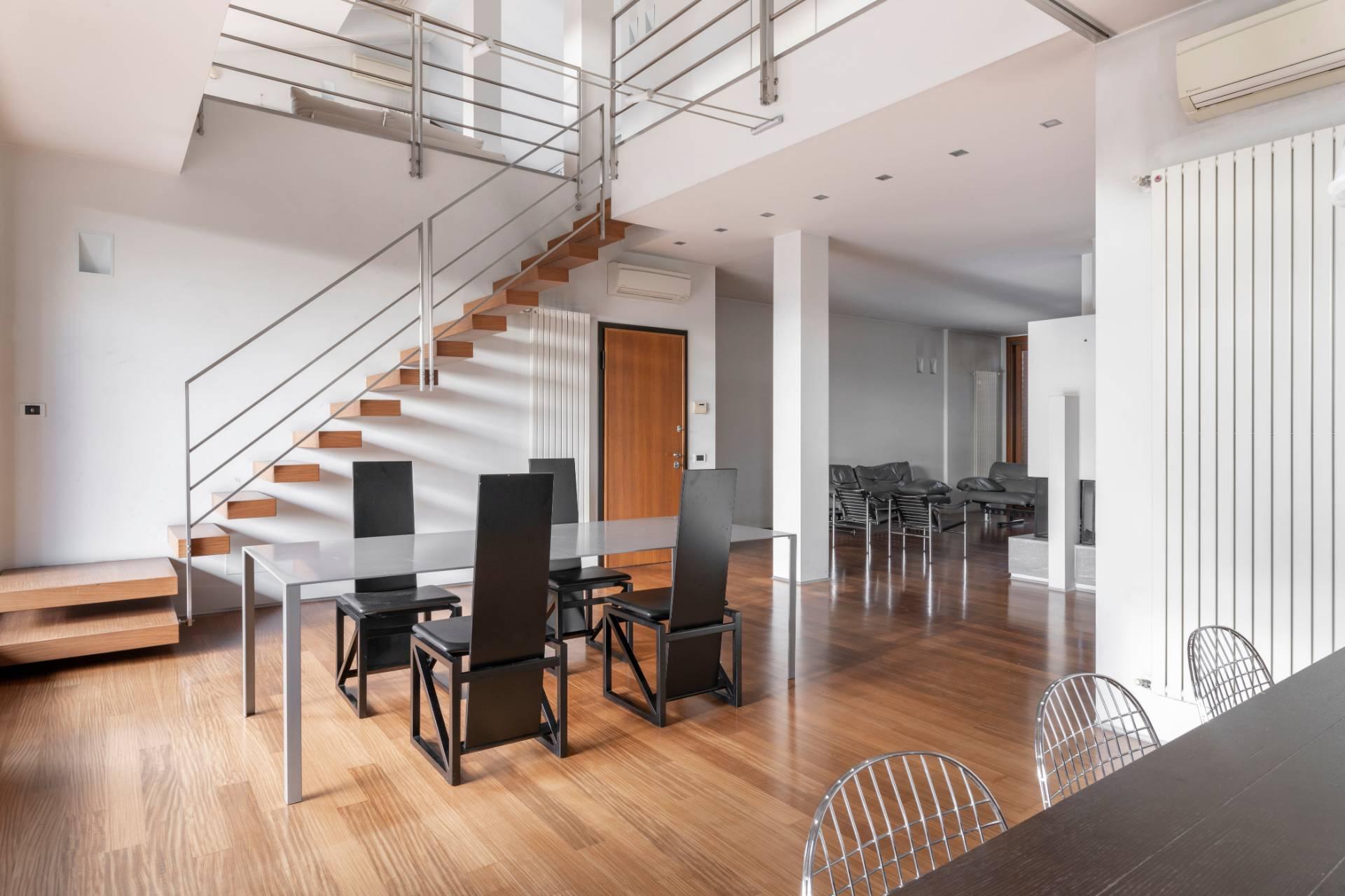 Appartamento in Vendita a Lissone: 5 locali, 365 mq
