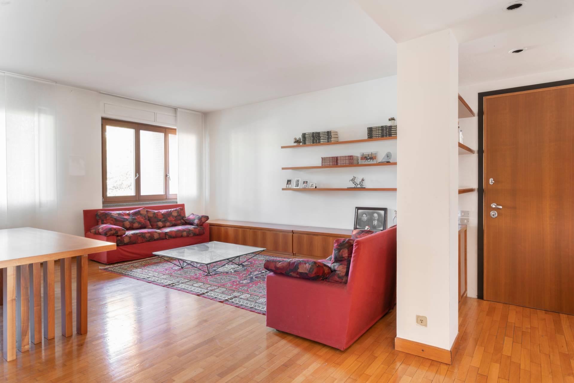 Appartamento in Vendita a Lissone: 3 locali, 125 mq