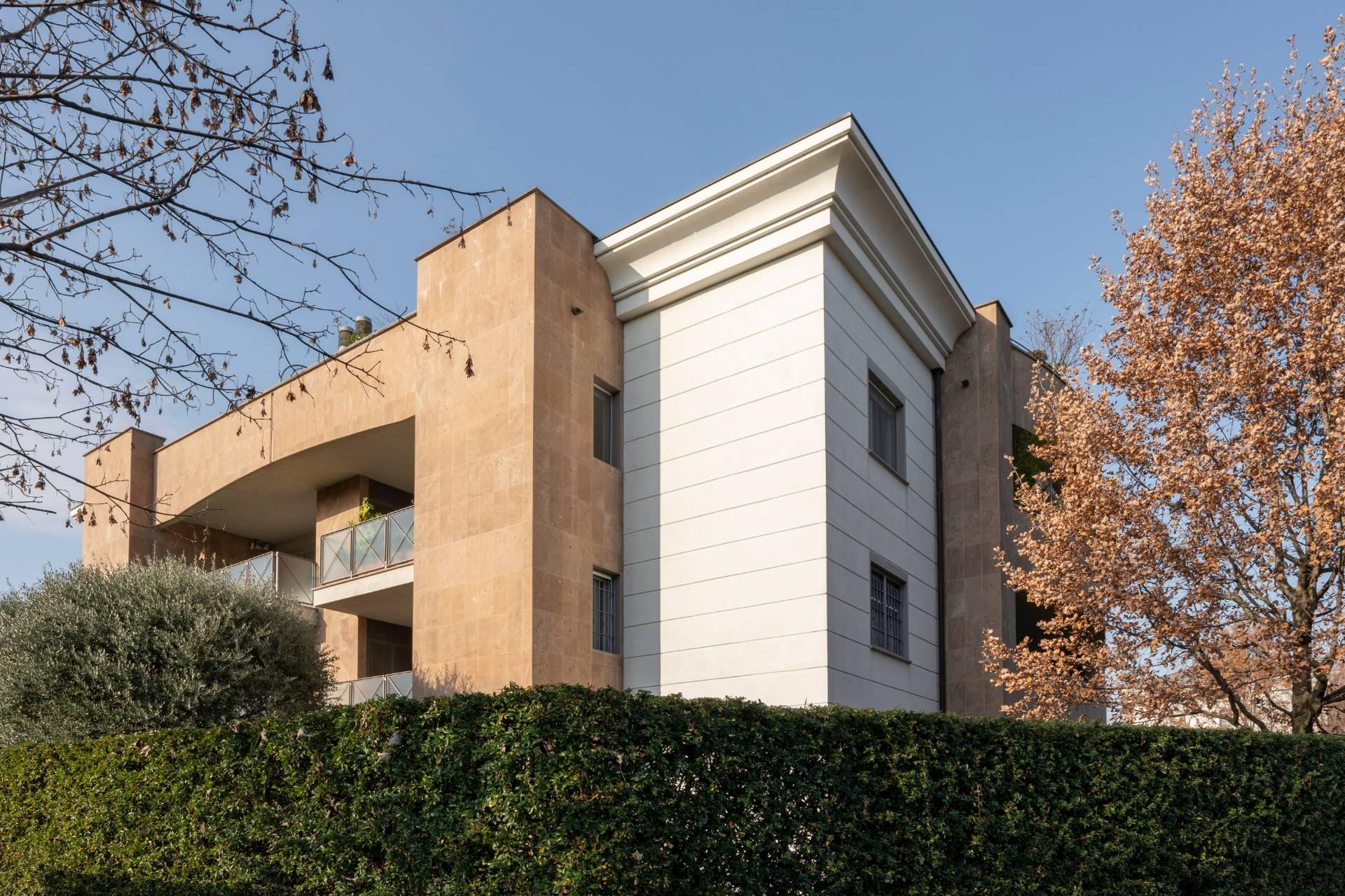 Appartamento in Vendita a Arese: 4 locali, 165 mq