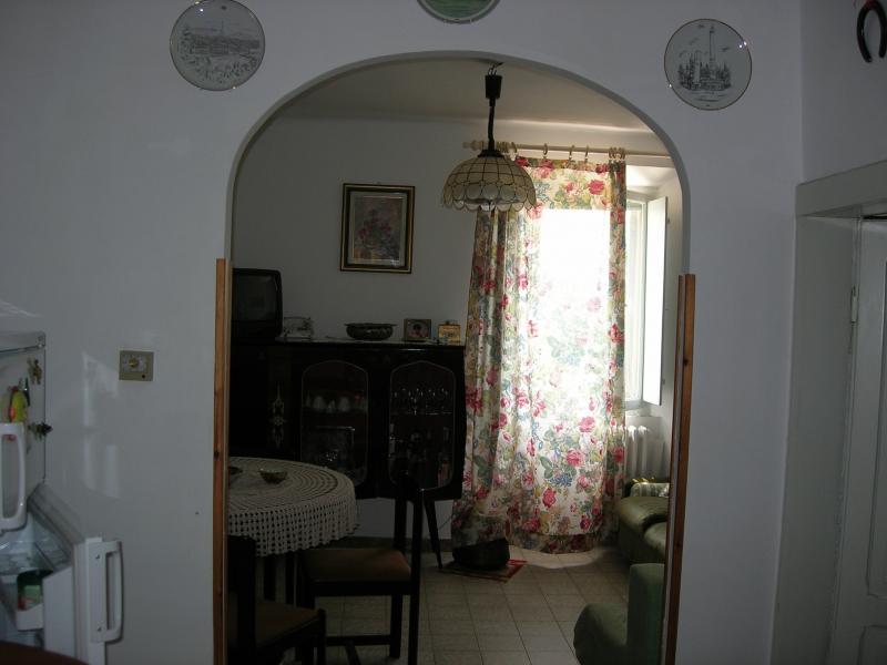 Soluzione Indipendente in vendita a Belmonte Piceno, 5 locali, prezzo € 95.000 | CambioCasa.it